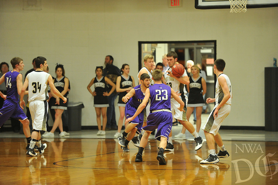 NWA Democrat-Gazette/MICHAEL WOODS &bull; @NWAMICHAELW<br /> The Elkins Elks take on the West Fork Tigers Tuesday, February 2, 2016 in West Fork.