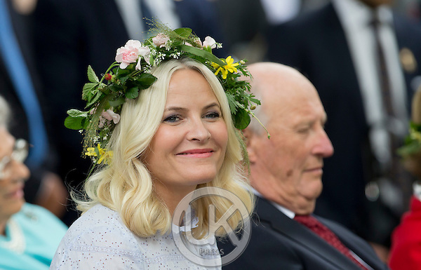 TRONDHEIM, NORWAY - JUNE 23:  Crown Princess Mette-Marit of Norway, and King Harald of Norway attend a Garden Party at the Royal Residence, Stiftsgarden,  on a visit to Trondheim, during King Harlad and Queen Sonja  of Norway's Silver Jubilee Tour, on June 23, 2016 in Trondheim, Norway.