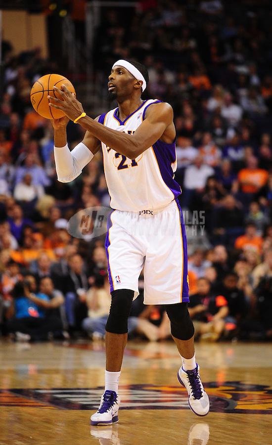Jan. 14, 2011; Phoenix, AZ, USA; Phoenix Suns forward Hakim Warrick against the Portland Trailblazers at the US Airways Center. The Suns defeated the Trailblazers 115-111. Mandatory Credit: Mark J. Rebilas-