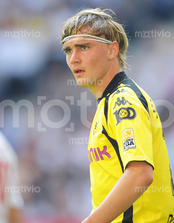 FUSSBALL  1. BUNDESLIGA   SAISON 2009/2010   2. SPIELTAG Hamburger SV - Borussia Dortmund                       15.08.2009 Marcel SCHMELZER (Borussia Dortmund)