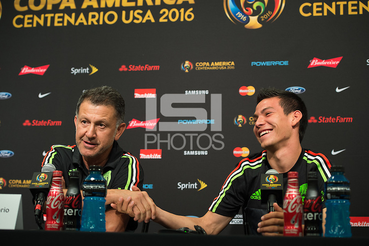Press Conference of National Mexican Soccer Team, at Levis Stadium in Santa Clara, California. Copa America Centenario USA 2016. <br /> <br /> Conferencia de Prensa  de la Seleccion de Mexico, en el Estadio Levis en Santa Clara California. Copa America Centenario 2016, en la foto:(i-d) Juan Carlos Osorio DT Mexico e Hirving Lozano<br /> <br /> --- 16/06/2016/MEXSPORT/JORGE MARTINEZ