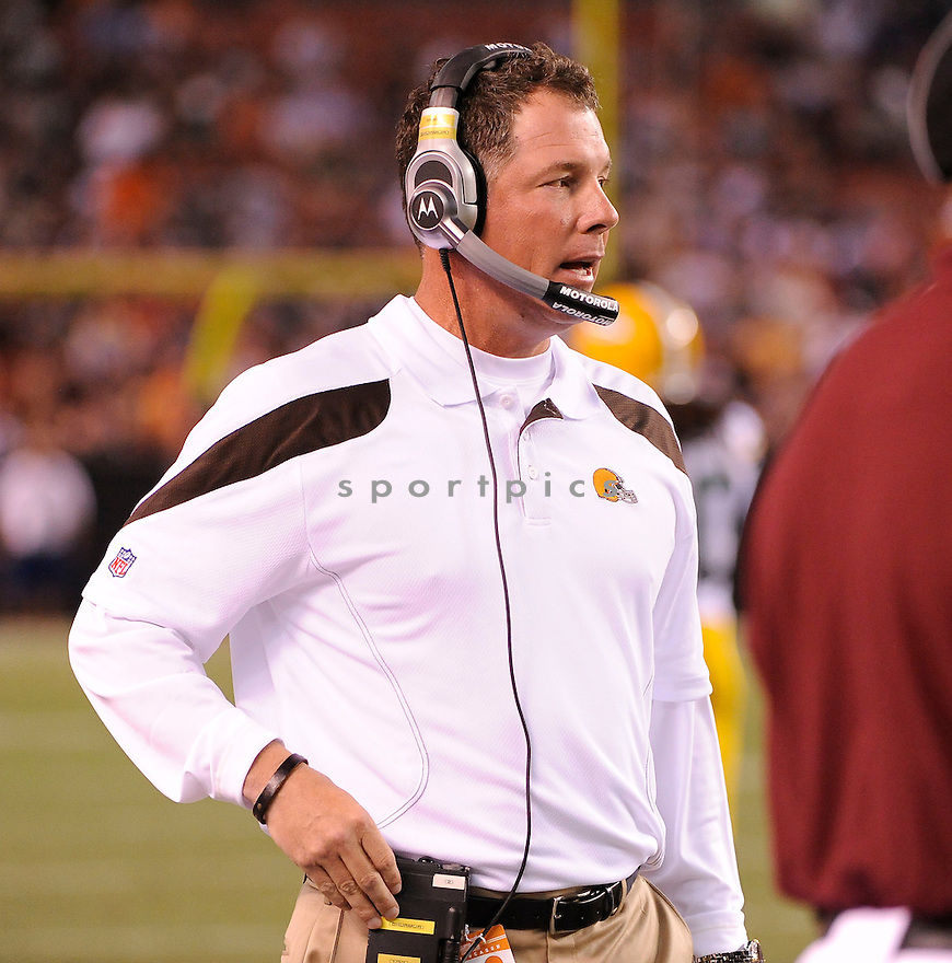 PAT SHURMUR, of the Cleveland Browns in action during the Browns game against the Green Bay Packers on August 13, 2011 at Cleveland Browns Stadium in Cleveland, Ohio. The Browns beat the Packers 27-17.