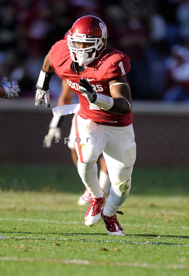 Oklahoma Sooners Tony Jefferson (1) in action during a game against Texas Tech on November 13, 2010 at Gaylord Family Oklahoma Memorial Stadium in Norman, OK. Oklahoma beat Texas Tech 45-7.