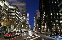 Nederland Amsterdam 2016. De Zuidas bij avond. Kantoren aan de Gustav Mahlerlaan. Foto Berlinda van Dam / Hollandse Hoogte