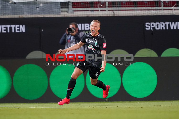 1:2 durch Ludwig Augustinsson (Werder Bremen #05), Klassenerhalt<br /> <br /> <br /> Sport: nphgm001: Fussball: 1. Bundesliga: Saison 19/20: Relegation 02; 1.FC Heidenheim vs SV Werder Bremen - 06.07.2020<br /> <br /> Foto: gumzmedia/nordphoto/POOL <br /> <br /> DFL regulations prohibit any use of photographs as image sequences and/or quasi-video.<br /> EDITORIAL USE ONLY<br /> National and international News-Agencies OUT.