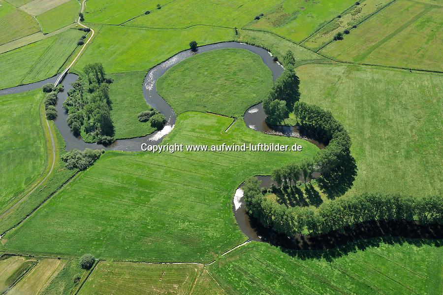 Schwinge: EUROPA, DEUTSCHLAND, NIEDERSACHSEN, STADE, 26.06.2011:Die Schwinge  ist ein 28,7 Kilometer langer, linksseitiger Nebenfluss der Niederelbe in Niedersachsen. Er entspringt im Hohenmoor beim Dorf Mulsum auf der Stader Geest , durchfliesst die Stadt Stade, wo der alte Hafen der Hansestadt Stade an der Schwinge liegt, und muendet in Stadersand nordoestlich von Stade bei Elbe-km 654,8 - Stichworte: Deutschland, Niedersachsen, Stade, Schwinge, Fluss, Flusslauf, Lauf, Verlauf, Natur, Landschaft, gruen, Schlinge, schlaengeln, Wasser, Pappel, Schatten, Felder, Baeume, Baum, Landwirtschaft, Anbau, gruen, Luftbild, Draufsicht, Luftaufnahme, Luftansicht, Luftblick, Flugaufnahme, Flugbild, Vogelperspektive, Ueberblick, Uebersicht # , arrays, fields, pads, water, shadow, shade, lower saxony, Niedersachsen, green, greenery, agriculture, husbandry, farming, air opinion, Flugbild, Luftblick, ow_visum, becket, noose, sling, snare, leg, tarsus, barrel, germany, top view, plan, cottonwood, poplar, to meander, to sidle, to worming, to wriggle, Flugaufnahme, winnow, wing, swingle, slope, path, process, course, tree, trees, bird 's-eye view, nature, fall, autumn, harvest, landscape, scene, scenery, overview, outline, survey, woodland, forest, aerial photograph, review, view, annex, building, extension, air photo, flow, flood, river # .c o p y r i g h t : A U F W I N D - L U F T B I L D E R . de.G e r t r u d - B a e u m e r - S t i e g 1 0 2, .2 1 0 3 5 H a m b u r g , G e r m a n y.P h o n e + 4 9 (0) 1 7 1 - 6 8 6 6 0 6 9 .E m a i l H w e i 1 @ a o l . c o m.w w w . a u f w i n d - l u f t b i l d e r . d e.K o n t o : P o s t b a n k H a m b u r g .B l z : 2 0 0 1 0 0 2 0 .K o n t o : 5 8 3 6 5 7 2 0 9.V e r o e f f e n t l i c h u n g  n u r  m i t  H o n o r a r  n a c h M F M, N a m e n s n e n n u n g  u n d B e l e g e x e m p l a r !.