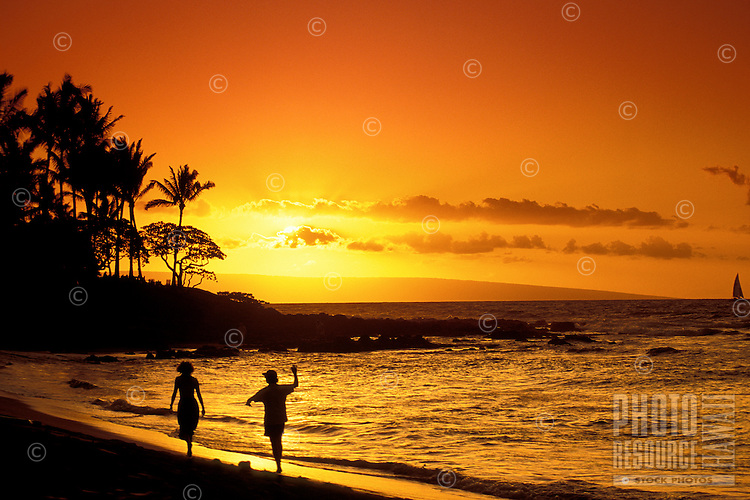 Sunset on the beach at Napili Bay, Kapalua, West coast Maui