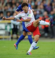 FUSSBALL   DFB POKAL   SAISON 2011/2012  1. Hauptrunde VfB Oldenburg - Hamburger SV                             30.07.2011 Min HEING SON (Hamburger SV) zieht ab