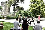 Nei Giardini del Monsignore<br /> Conservatorio di Musica 'S. Pietro a Majella' di Napoli<br /> Neapolis Saxophone Ensemble<br /> Alessio Castaldi, Maurizio Conte, Nicola Copertino, <br /> Andrea Espasiano, Antonio Walter Santangelo<br /> <br /> Musiche di Kaderavek, Deodati, Gershwin, D'Rivera, Monk, Mancini, Nestico, Pace, Lennon, Fariselli, Dennis, Ferrio, Joplin