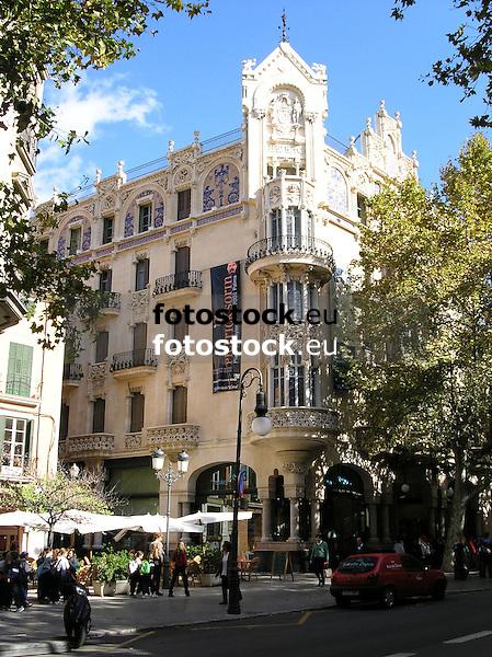Gran Hotel Weyler, today place of La Caixa Foundation<br /> <br /> Gran Hotel Weyler, hoy sede de la Fundaci&oacute;n La Caixa<br /> <br /> Gran Hotel Weyler, heute Sitz der Stiftung Fundaci&oacute;n La Caixa, in Palma de Mallorca<br /> <br /> 2481 x 1860 px