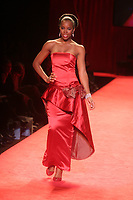 KELLY ROWLAND 2006<br /> THE HEART TRUTH''  RED DRESS COLLECTION FASHION SHOW AT BRYANT PARK<br /> Photo By John Barrett/PHOTOlink.net
