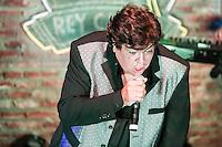 SAO PAULO, SP, 29.08.2014 - SHOW SIDNEY MAGAL EM SAO PAULO - O cantor e compositor Sidney Magal durante apresentacao na casa de espetaculos Rey Castro na Vila Nova Conceicao na regiao sul de Sao Paulo na madrugada desta sexta-feira, 29. (Foto: William Volcov / Brazil Photo Press).