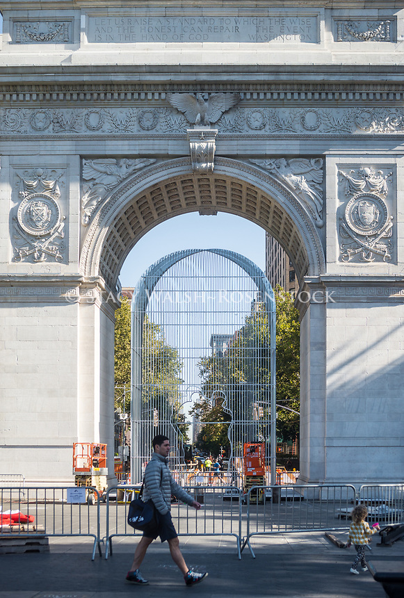 """New York, NY 4 October 2017 - Installation begins for Al Weiwei's  sculptural installation """"Good Fences Make Good Neighbors."""" The installation will include 300 sculptures at various locations throughout New York City and is slated to run from October through February, in conjunction with the Public Art Fund whih is celebrating its 40 anniversary.  According to Chinese dissentatist and human rights activist Ai Weiwei, the work is Inspired by the international migration crisis and current global geopolitical landscape, the exhibition transforms the security fence into a powerful social and artistic symbol with interventions across the city.  ©zStacy Walsh Rosenstock/Alamy Live News"""