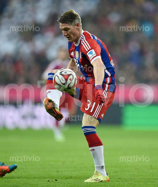 Fussball  1. Bundesliga  Saison 2014/2015  12. SPIELTAG FC Bayern Muenchen - TSG 1899 Hoffenheim     22.11.2014 Bastian Schweinsteiger (FC Bayern Muenchen) am Ball