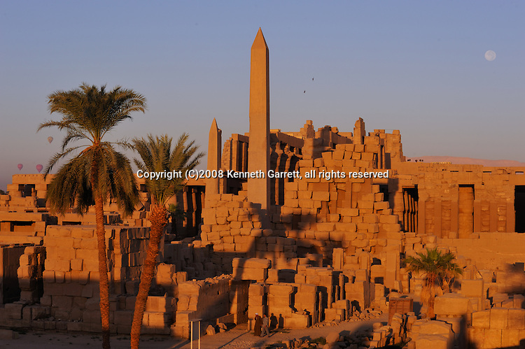 Hatshepsut, MM7715, Karnak Temple, Luxor, Hatshepsut Obelisk, Hypostyle Hall, sunrise, full moon