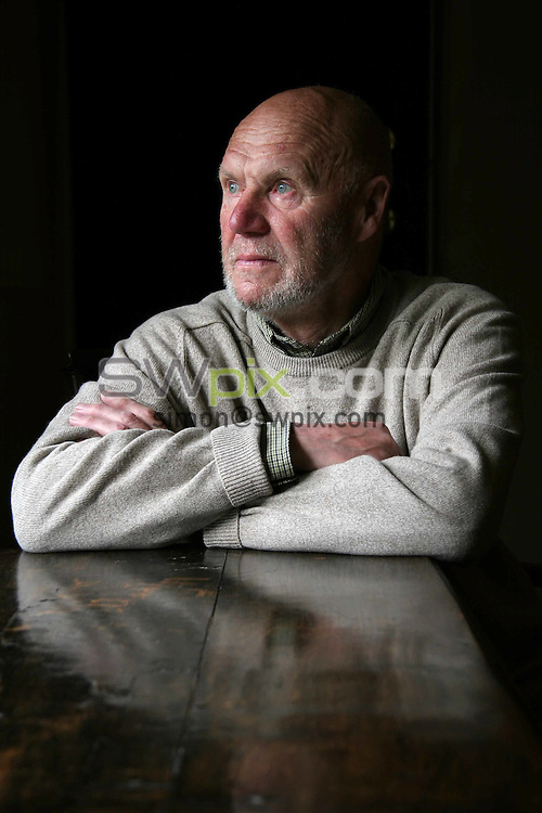 PICTURE BY VAUGHN RIDLEY/SWPIX.COM -  Football Feature - Ray Wilson - Halifax, England - 01/06/06...? Simon Wilkinson - 07811 267706...Ray Wilson, who played football for England and was a member of the 1966 World Cup winning team, pictured at his home in Barkisland, Halifax, England.