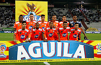 MANIZALES - COLOMBIA, 08-04-2019: Jugadores del Envigado posan para una foto previo al encuentro por la fecha 14 de la Liga Águila I 2019 entre Once Caldas y Envigado F.C. jugado en el estadio Palogrande de la ciudad de Manizalez. / Players of Envigado pose to a photo prior the match for the date 14 of the Liga Aguila I 2019 between Once Caldas and Envigado F.C. played at the Palogrande stadium in Manizales city. Photo: VizzorImage / Santiago Osorio / Cont