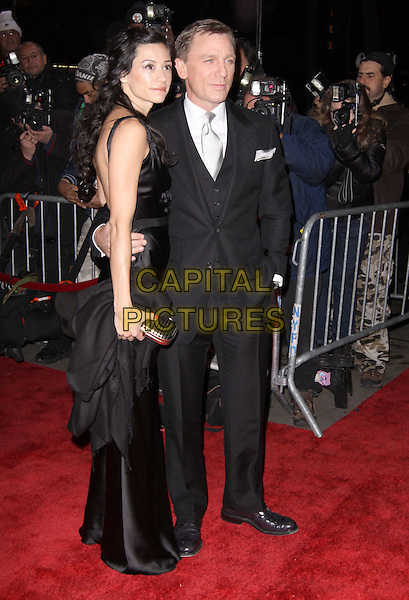 SATSUKI MITCHELL & DANIEL CRAIG.Tribeca Film Institute Benefit with special screening of Quantum of Solace, New York, NY, USA..November 11th, 2008.full length black dress suit couple .CAP/ADM/PZ.©Paul Zimmerman/AdMedia/Capital Pictures.