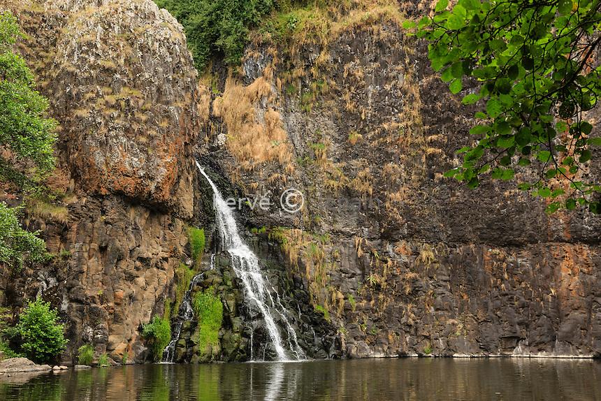 France, Cantal (15), Andelat, cascade du Sailhant // France, Cantal, Andelat, Sailhant waterfall