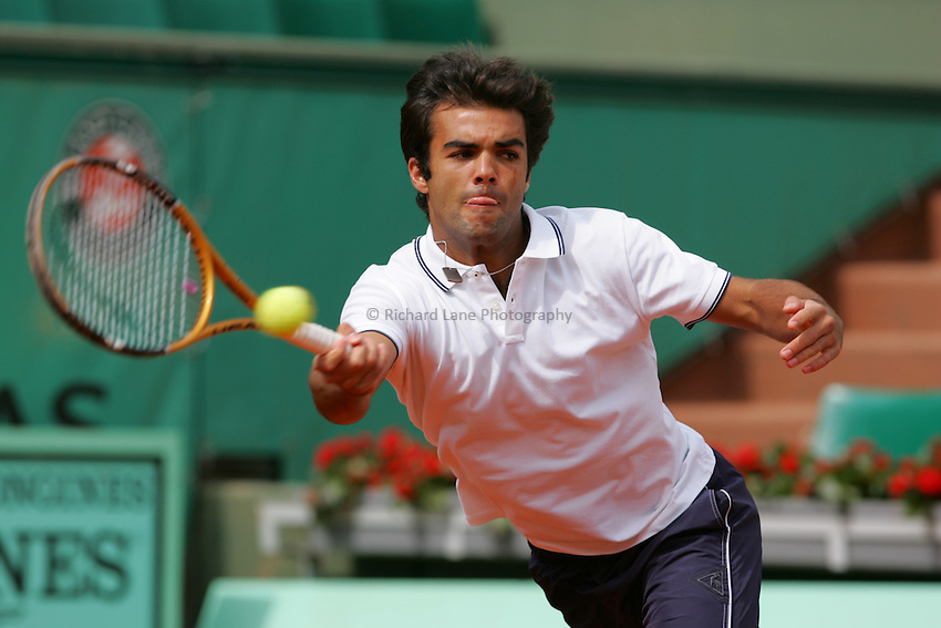 Photo: Iconsport/Richard Lane Photography..French Open, Roland Garros 2007. 31/05/2007..Laurent Recouderc returns.