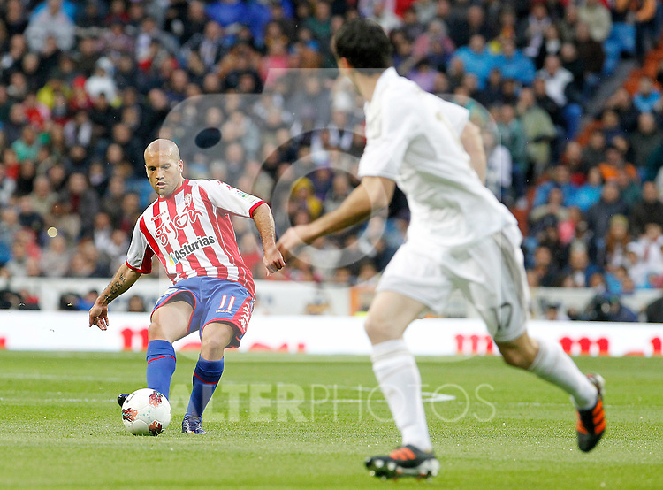 Sporting de Gijon's Alberto Lora during La Liga match.April 14,2012. (ALTERPHOTOS/Acero)
