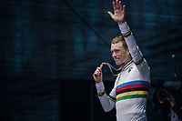 Rohan Dennis (AUS/BMC) is the new TT World Champion<br /> <br /> MEN ELITE INDIVIDUAL TIME TRIAL<br /> Hall-Wattens to Innsbruck: 52.5 km<br /> <br /> UCI 2018 Road World Championships<br /> Innsbruck - Tirol / Austria