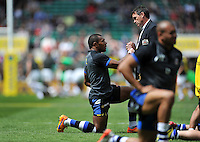 Bath Rugby Head Coach Mike Ford has a word with Semesa Rokoduguni during the pre-match warm-up. Aviva Premiership Final, between Bath Rugby and Saracens on May 30, 2015 at Twickenham Stadium in London, England. Photo by: Patrick Khachfe / Onside Images
