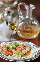 """Europe/France/Aquitaine/33/Gironde/Sauternais/Preignac: Esturgeon et compotée de poireaux - Recette du restaurant """"Saprirn"""" photographié au chateau de Malle (XVIIème)"""