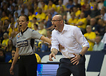 08.05.2018, EWE Arena, Oldenburg, GER, BBL, Playoff, Viertelfinale Spiel 2, EWE Baskets Oldenburg vs ALBA Berlin, im Bild<br /> voll in Action<br /> Mladen DRJENCIC (EWE Baskets Oldenburg #Headcoach, #Coach, #Trainer), Anne PANTHER<br /> Foto &copy; nordphoto / Rojahn