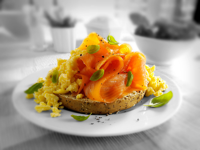 Smoked Salmon & scrambled eggs Bagel