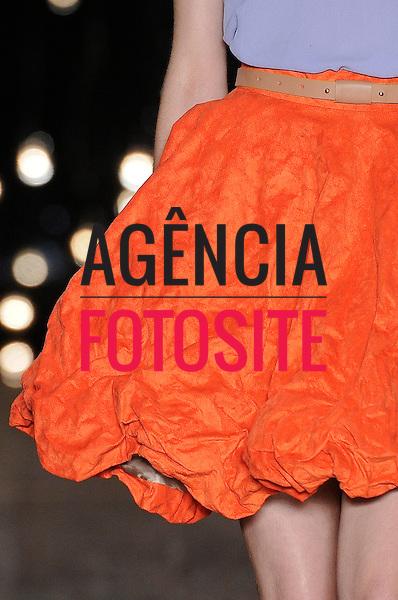 São Paulo, Brasil – 10/06/2010 - Detalhe do desfile da grife Cori durante o São Paulo Fashion Week  -  Verao 2011. Foto: Olivier Claisse / Ag. Fotosite