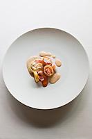 Europe/France/Bretagne/56/Morbihan/Lorient: Homard de casier en tube croustillant, légumes d'automne, touche forte de crustacés, recette de   Philippe  Le Lay  du  Restaurant: Henri & Joseph