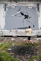 "Milano, Leonka Walls Repainting, i muri del centro sociale Leoncavallo vengono ridipinti --- Milan, Leonka Walls Repainting, the walls of Leoncavallo social centre get repainted. ""Freedom is painful"""