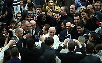 Papa Francesco saluta i fedeli al suo arrivo all'udienza Generale del mercoledi' in aula Paolo VI in Vaticano, 9 gennaio 2019.<br /> Pope Francis waves faithful as he arrives to lead his weekly general audience in Paul VI Hall at the Vatican, on January, 2019.<br /> UPDATE IMAGES PRESS/Isabella Bonotto<br /> <br /> STRICTLY ONLY FOR EDITORIAL USE
