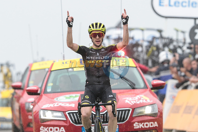 Simon Yates (GBR) Mitchelton-Scott wins Stage 15 his 2nd stage win of the 2019 Tour de France running 185km from Limoux to Foix Prat d'Albis, France. 20th July 2019.<br /> Picture: Colin Flockton | Cyclefile<br /> All photos usage must carry mandatory copyright credit (© Cyclefile | Colin Flockton)