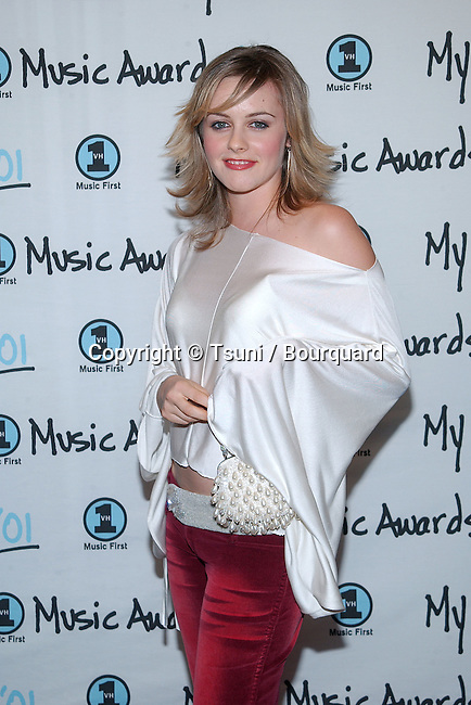 Alicia Silverstone arrives at the My VH1 Music Awards at the Shrine Auditorium in Los Angeles Sunday, Dec. 3, 2001.          -            SilverstoneAlicia10B.jpg