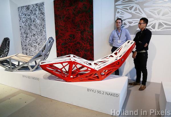 Nederland Eindhoven 2016. DDW. Dutch Design Week. Strijp-S. Byyu 90.2 Naked.  Foto Berlinda van Dam / Hollandse Hoogte