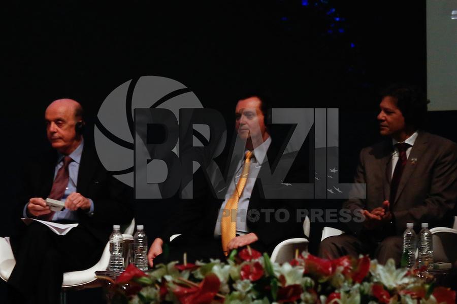 SÃO PAULO, SP, 27.11.2016 - TEMER-SP. Jose Serra, Gilberto Kassab e Fernando Haddad durante a abertura do Congresso da Diáspora Libanesa, no Palácio dos Bandeirantes, na tarde deste domingo, 27.  (Foto: Adriana Spaca/Brazil Photo Press)