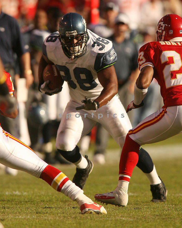 MARK STRONG, of the Seattle Seahawks in action against the Kansas City Chiefs on October 29, 2006 in Kansas City, MO...Chiefs win 35-28..Kevin Tanaka/ SportPics