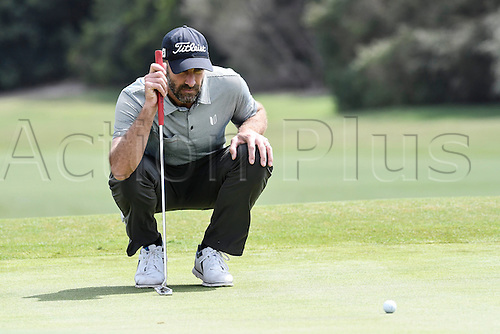 19.11.2016. Royal Sydney Golf Club, Sydney, Australia. Emirates Australian Open Golf 3rd Round. Geoff Ogilvy of Australia lines up a putt.