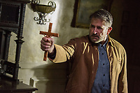 Annabelle: Creation (2017)<br /> Anthony LaPaglia<br /> *Filmstill - Editorial Use Only*<br /> CAP/KFS<br /> Image supplied by Capital Pictures