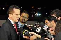 OSASCO, SP, 03 SETEMBRO DE 2012 – DEBATE REDETV – ATENÇÃO EDITOR: FOTO EMBARGADA PARA VEÍCULOS INTERNACIONAIS: Candidato a prefeitura de São Paulo Celso Russomano chega para debate que será realizado na noite desta segunda feira (03) pela RedeTV, na sede da emissora em Osasco. (FOTO: LEVI BIANCO / BRAZIL PHOTO PRESS).
