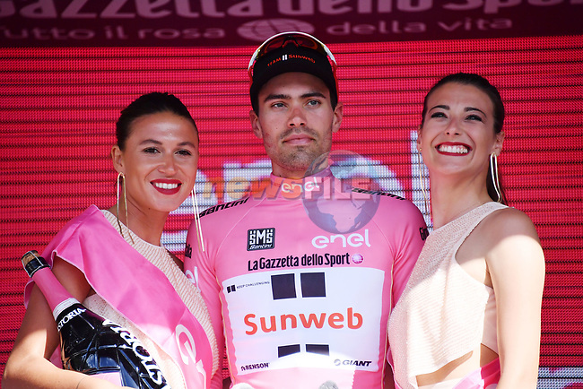 Maglia Rosa Tom Dumoulin (NED) Team Sunweb sees his race lead diminished at the end of Stage 16 of the 100th edition of the Giro d'Italia 2017, running 222km from Rovetta to Bormio, Italy. 23rd May 2017.<br /> Picture: LaPresse/Gian Mattia D'Alberto | Cyclefile<br /> <br /> <br /> All photos usage must carry mandatory copyright credit (&copy; Cyclefile | LaPresse/Gian Mattia D'Alberto)