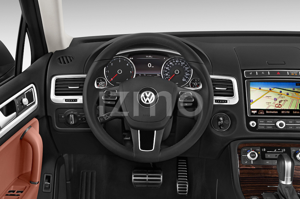 Car pictures of steering wheel view of a 2017 Volkswagen Touareg Executive 5 Door SUV Steering Wheel