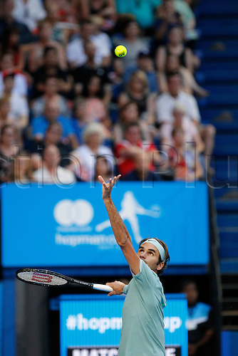 02.01.2017. Perth Arena, Perth, Australia. Mastercard Hopman Cup International Tennis tournament. Roger Federer (SUI) serves during his match against Dan Evans (GBR). Federer won 6-3, 6-4.