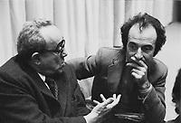 """- Vittorio Foa e Valentino Parlato, fra i fondatori del quotidiano """"Il Manifesto"""" (febbraio 1976)"""