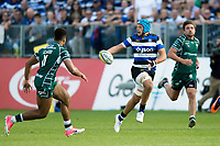 Zach Mercer of Bath Rugby goes on the attack. Stuart Hooper and Matt Banahan of Bath Rugby. Aviva Premiership match, between Bath Rugby and London Irish on May 5, 2018 at the Recreation Ground in Bath, England. Photo by: Patrick Khachfe / Onside Images