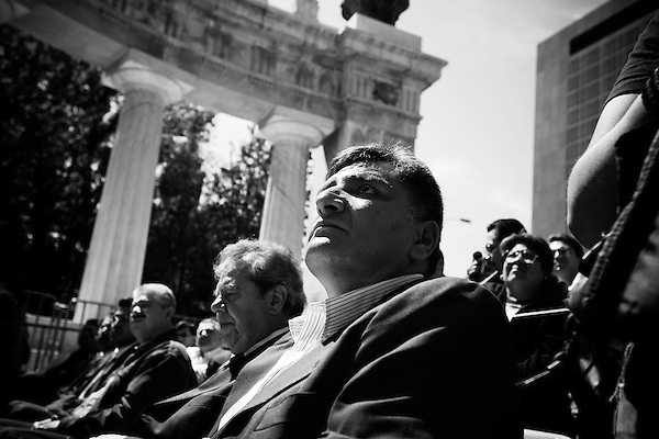 Presidential candidate, Manuel Lopez Abrador gave a speech in Mexico City today at the statue of Benito Juarez, a revered Mexican leader of the past. The speech was also a nod to the trials of the teachers in the state of Oaxaca, Juarez was a Oaxacan,  who have occupied the main square in protest of the local government.