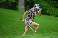 Jihyun Kim (KOR) tips her hat to the gallery as she exits the trap after hitting onto 13 during round 2 of the U.S. Women's Open Championship, Shoal Creek Country Club, at Birmingham, Alabama, USA. 6/1/2018.<br /> Picture: Golffile | Ken Murray<br /> <br /> All photo usage must carry mandatory copyright credit (&copy; Golffile | Ken Murray)