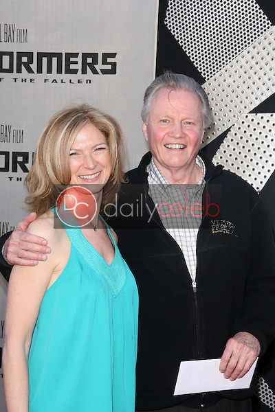 Jon Voight<br />at the Los Angeles Premiere of 'Transformers Revenge of the Fallen'. Mann Village Theatre, Westwood, CA. 06-22-09<br />Dave Edwards/DailyCeleb.com 818-249-4998